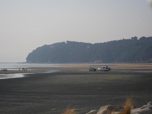 traktor ford ciągnik plaża łódki